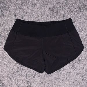 Lulu Lemon Hotty Hot Short 2.5""